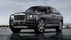 Rolls-Royce Cullinan - one of the 10 most powerful SUVs in the world
